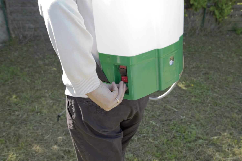 Pulv risateur lectrique 20 litres gazoneo - Pulverisateur de jardin electrique ...